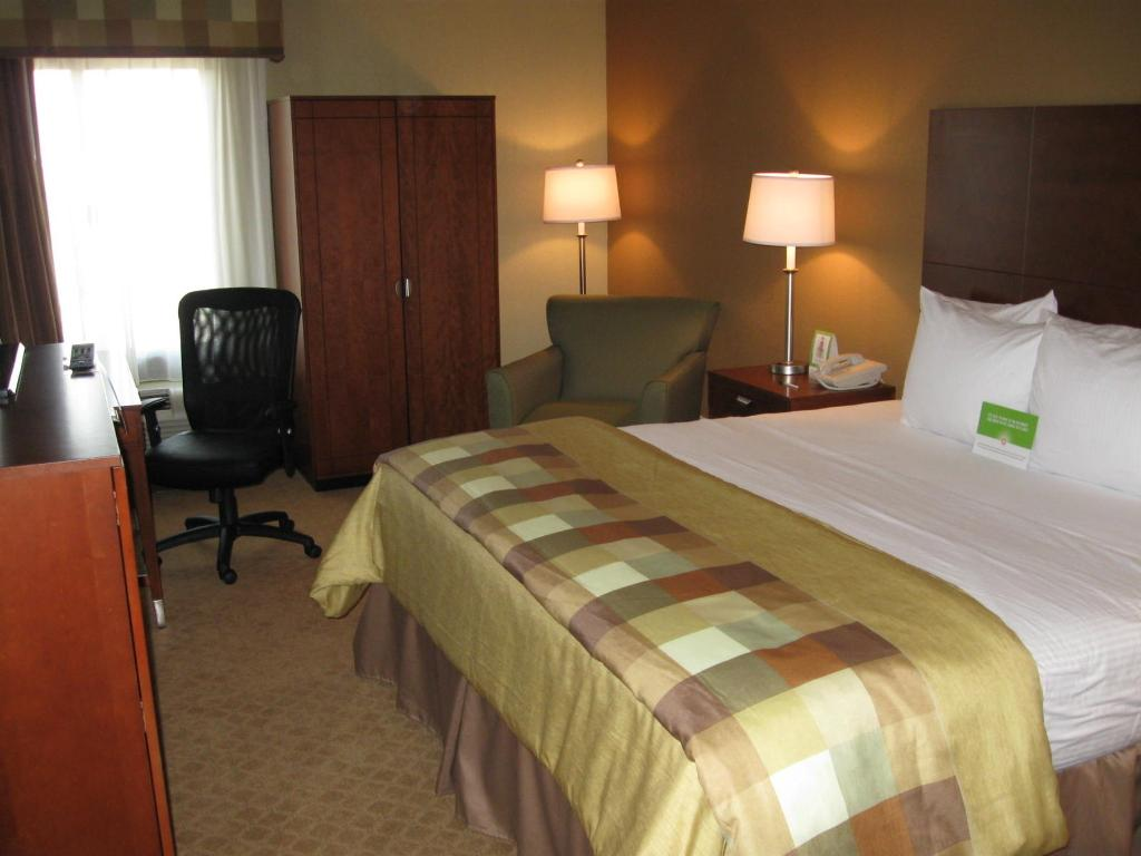‪La Quinta Inn & Suites Cleveland Airport West‬