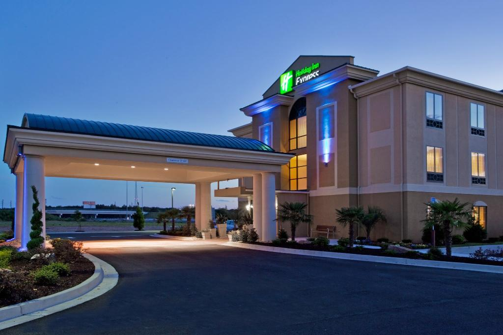 ‪Holiday Inn Express Hotel & Suites Cordele North‬