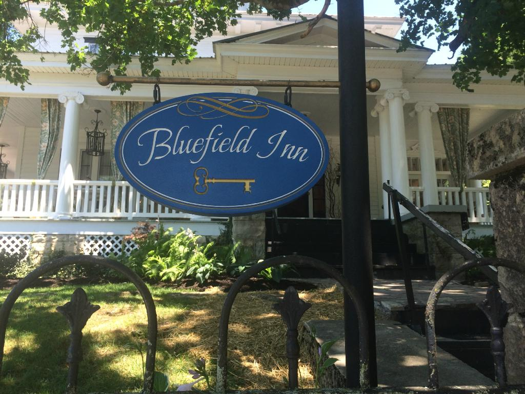 ‪Bluefield Inn‬