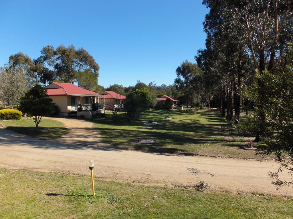 Lakes Entrance Country Cottages