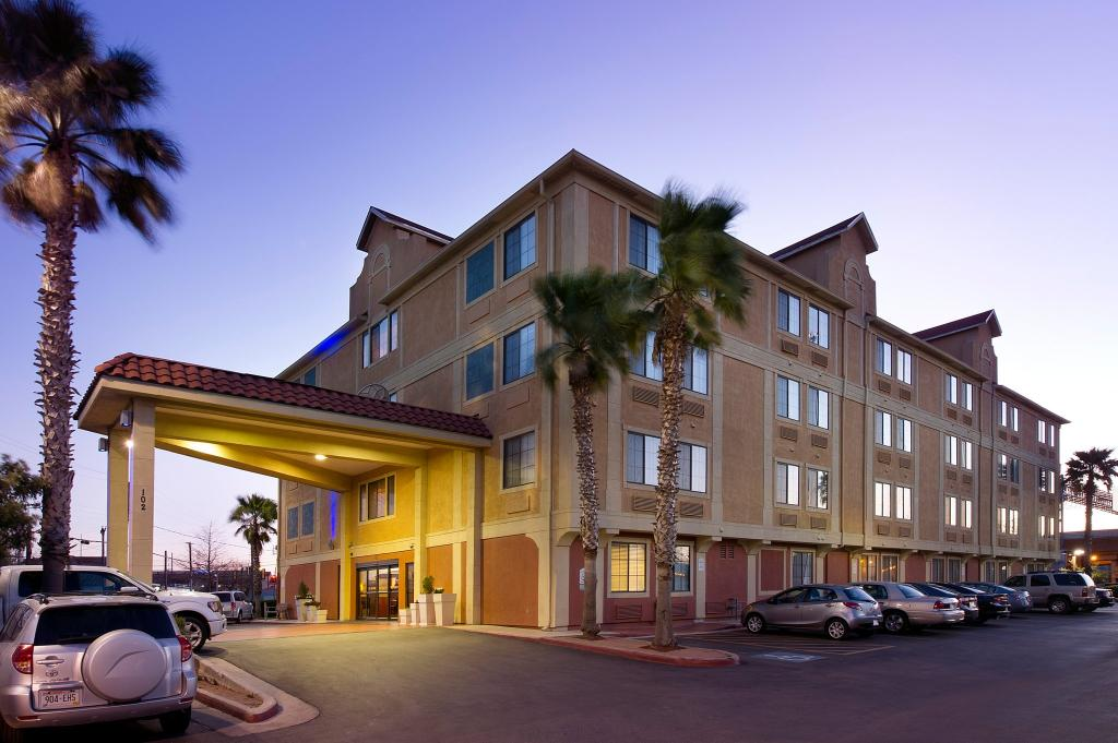 Holiday Inn Express Hotel & Suites San Antonio-Downtown Market Area
