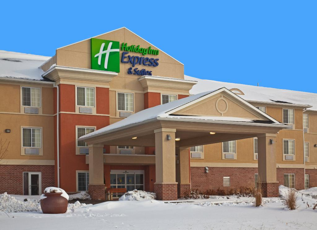‪Holiday Inn Express Hotel & Suites Council Bluffs‬