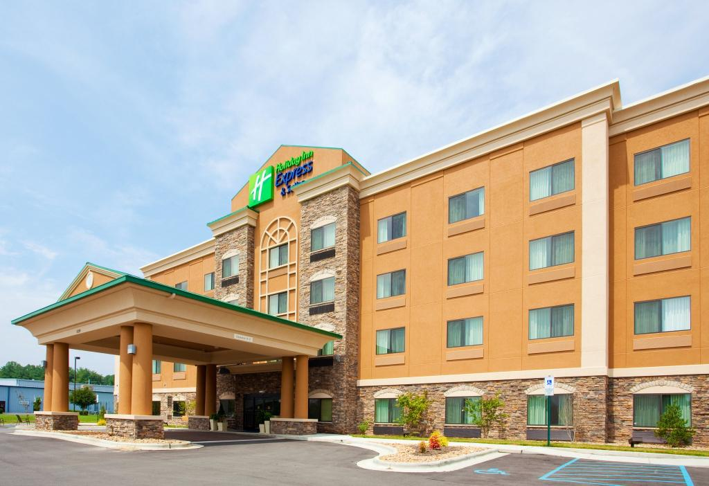 Holiday Inn Express Hotel & Suites Mount Airy South