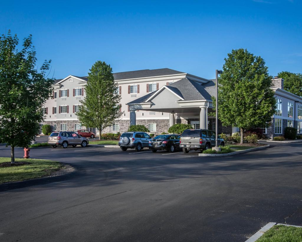 Comfort Inn And Suites - East Greenbush