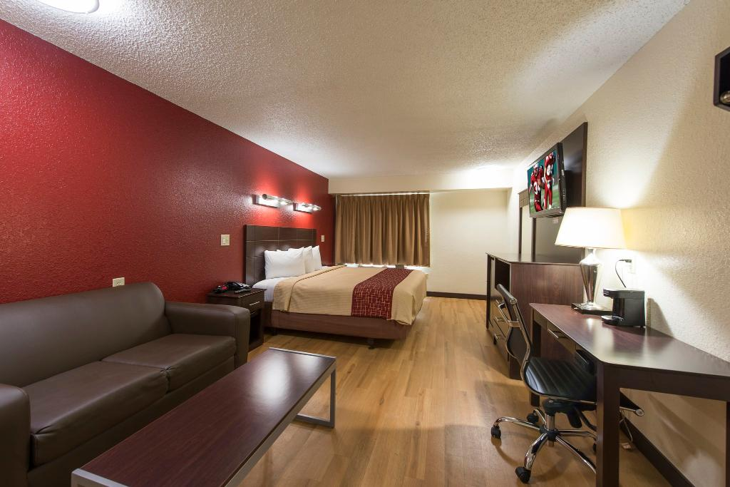 Red Roof Inn Houston - Brookhollow