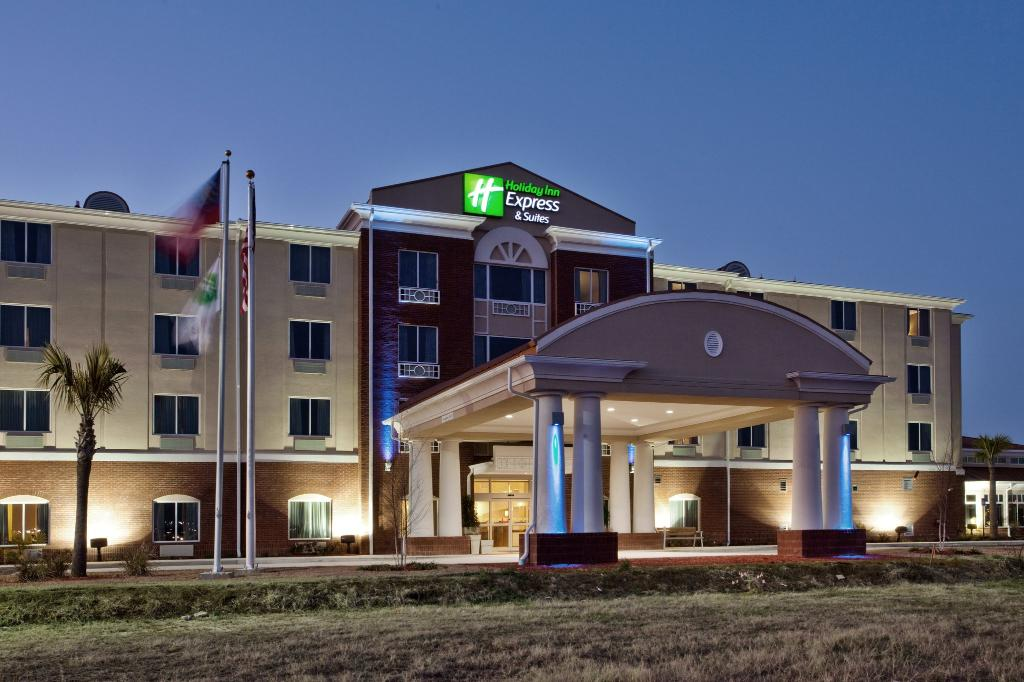 Holiday Inn Express & Suites Moultrie