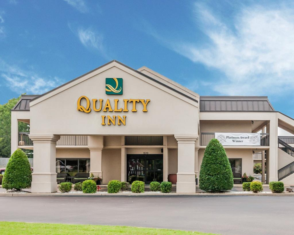 ‪Quality Inn Paris/Ky Lake Area‬