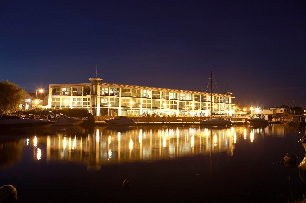 The Captain's Club Hotel