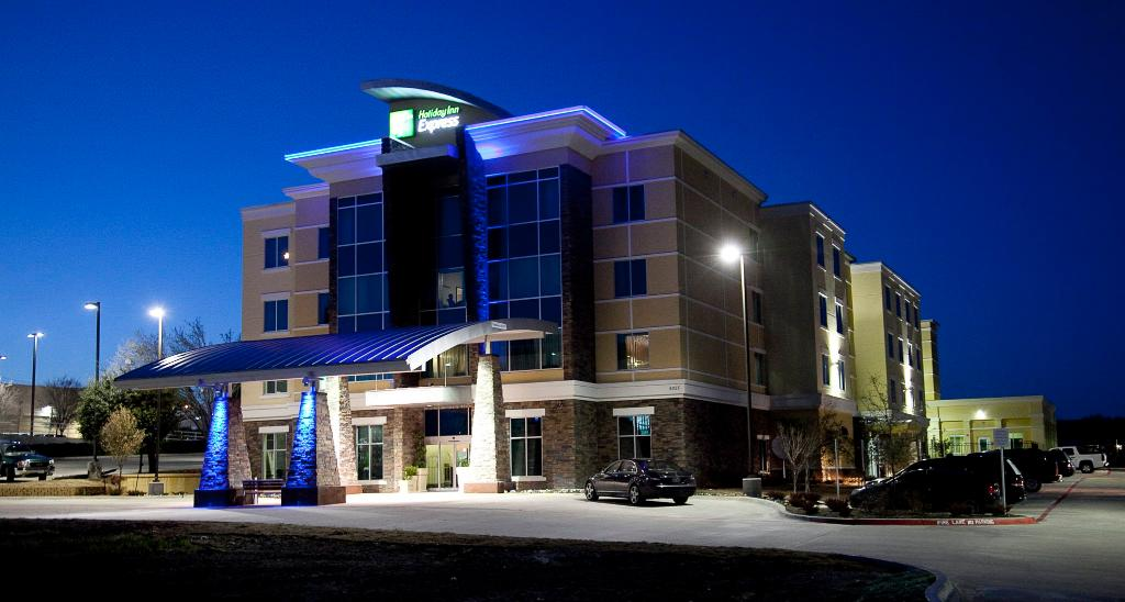 Holiday Inn Express Hotel & Suites Dallas (Galleria Area)