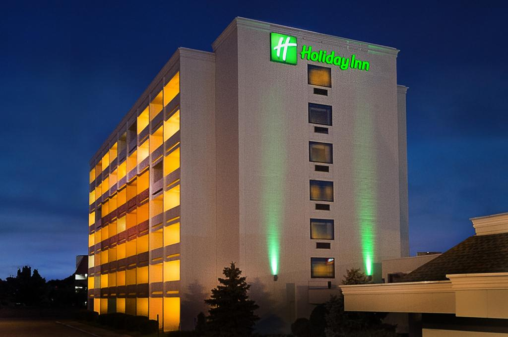 Holiday Inn Forest Park