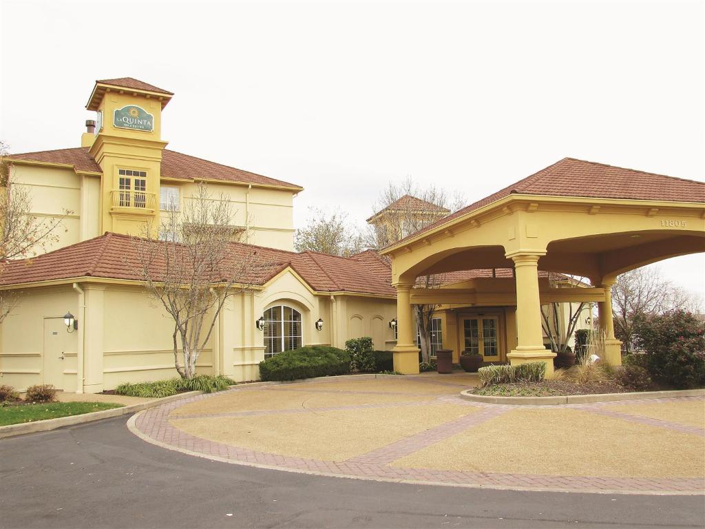 La Quinta Inn & Suites St. Louis Westport