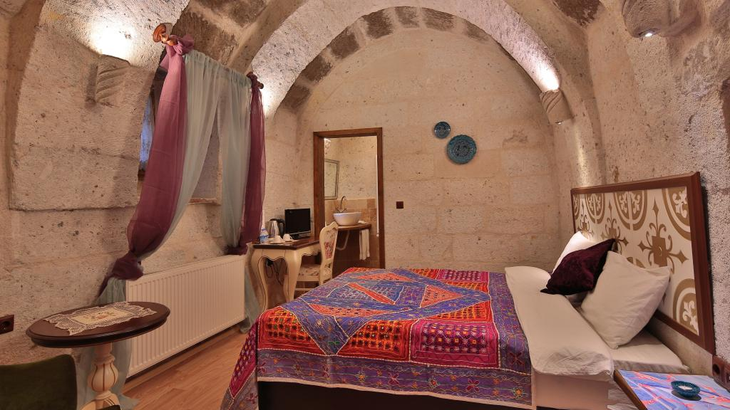 Stone Arch Room (168771376)