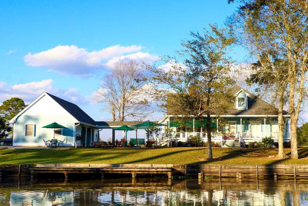 A Chateau on the Bayou Bed & Breakfast
