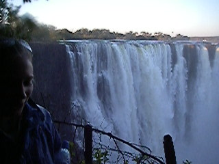 Zimbabue: 09 Vic Falls video (8mg)