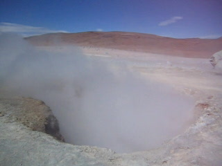 Bolivie : 14 - Geyser action