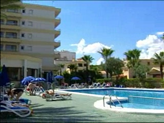 Thomson.co.uk video of the CLUMBA MAR in C'an Picafort, Majorca