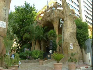 -, : Thomson.co.uk video of the ROCK GARDENS in BENIDORM, Costa Blanca