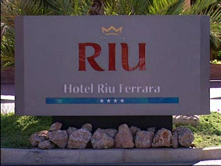 Torrox (เทศบาลตอร์รอซ), สเปน: Thomson.co.uk video of the RIU FERRARA in TORROX, Costa del Sol