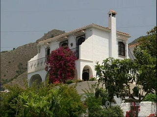 Thomson.co.uk video of the CAPISTRANO VILLAGE in NERJA, Costa del Sol