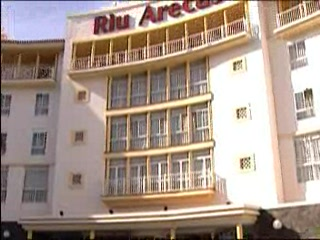 Adeje, Spanje: Thomson.co.uk video of the RIU ARECAS in Costa Adaje, Tenerife