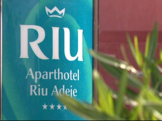 , : Thomson.co.uk video of the RIU ADEJE in Costa Adaje, Tenerife