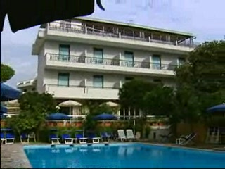 Thomson.co.uk video of the ALPHA in SORRENTO, Neapolitan Riviera