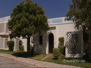 Thomson.co.uk video of the Colina Village  in Carvoeiro, Algarve