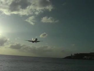 St Marteen/St. Martin: Maho Beach
