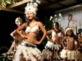 Beautiful polynesian dancers in RAPA NUI