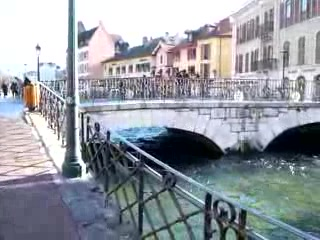 Annecy riverside spot movie