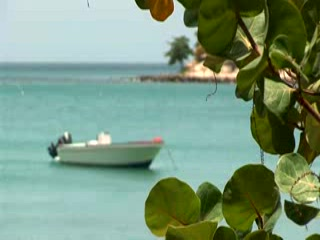 Gros Islet, Sainte-Lucie : kuoni.co.uk video presenting East Winds Inn, St. Lucia