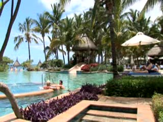 kuoni.co.uk video presenting La Pirogue, Mauritius