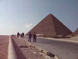 Gizeh, Égypte : The Pyramids of Giza and Sphinx
