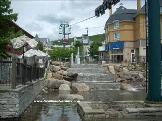 Mont Tremblant, Canadá: Summer day in the village