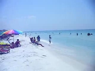 Destin, Floride : Beautiful Clear Water and Snow White Sand 