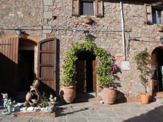 Country Inn Casa Mazzoni: Casa  Mazzoni video