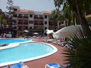 Puerto de Santiago, Spanien: Around the pool area