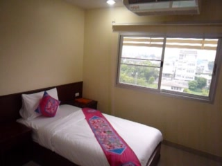 Sivalai Place: 1BR Diplomat Deluxe with Twin Bed