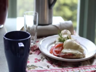Humboldt House Bed &amp; Breakfast Inn: Gourmet breakfasts delivered to your room