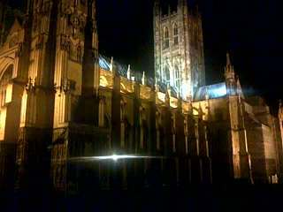 Canterbury Cathedral Lodge: Footsteps pass the floodlit Canterbury Cathedral