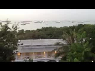 Amara Sanctuary Resort Sentosa: Nature Singing in the Morning