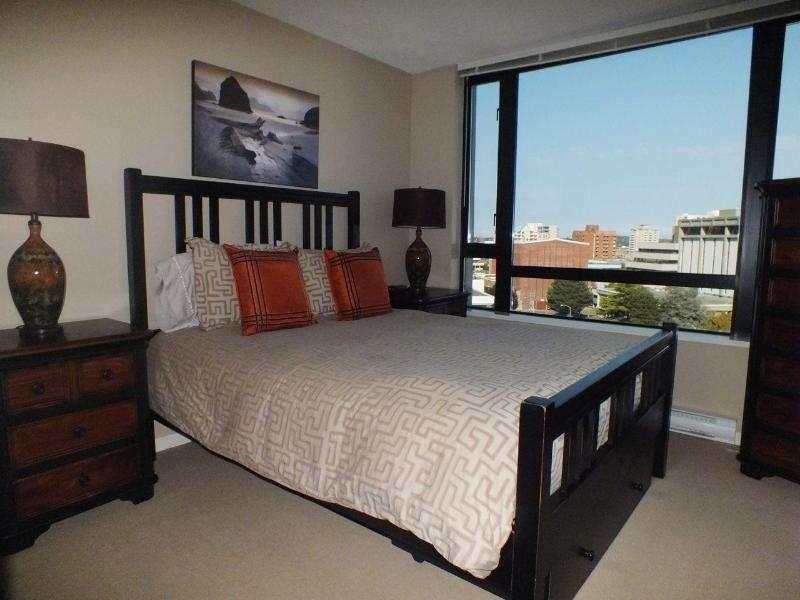 14th Floor Bedroom with Views