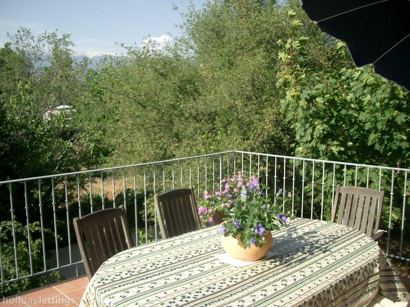 Terrace and view to Mont Ventoux