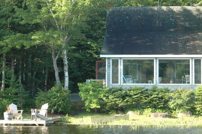 Peace and tranquility at Amanwana cottage