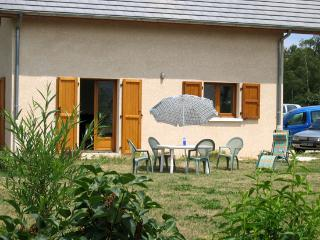SUMMER AND WINTER RENTAL OF A HOUSE WITH GARDEN