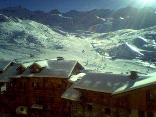 Very nice view, center of Val Thorens, very near slopes