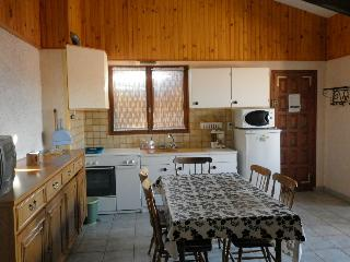 TO RENT:  APPARTMENT  2 ROOMS+MEZZANINE 6 PEOPLE