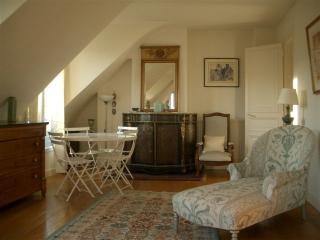 FLAT WITH A BEAUTIFUL VIEW, OVERLOOKING THE SACRE COEUR AND PARIS' ROOFTOPS.