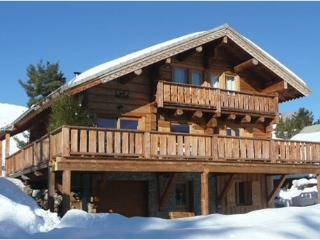 Great authentic wooden chalet 14 pers. 150 m from the slopes