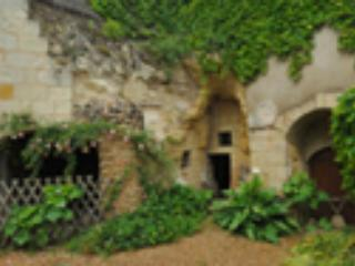 TROGLODYTE  HOUSE, LOIRE RIVERSIDE